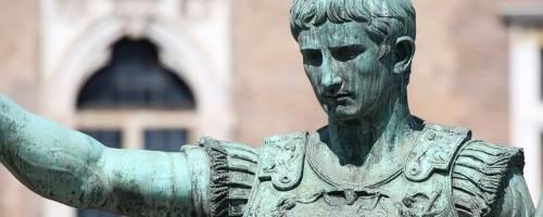 Politics and Roman holidays tour website