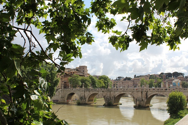 5 Tips To Enjoy The Perfect Solo Roman Holiday_2