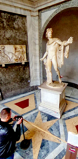 Vatican PORTRAIT STREET 2