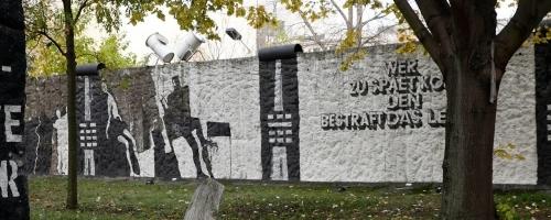 daily life in divided berlin header