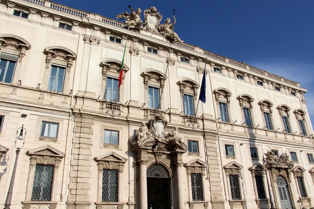 Visit Piazza del Quirinale in Rome